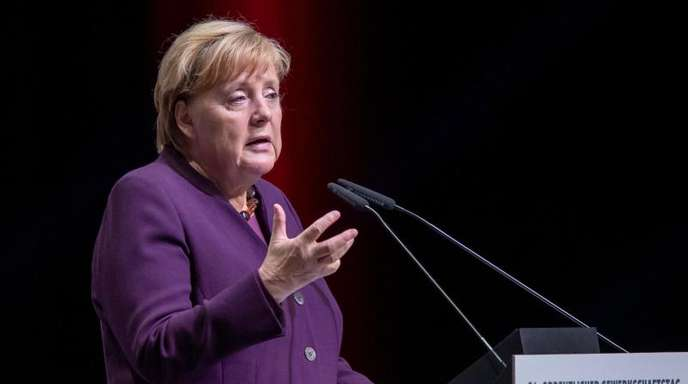 Angela Merkel (CDU), Bundeskanzlerin, spricht beim Ordentlichen Gewerkschaftstag der IG Metall.