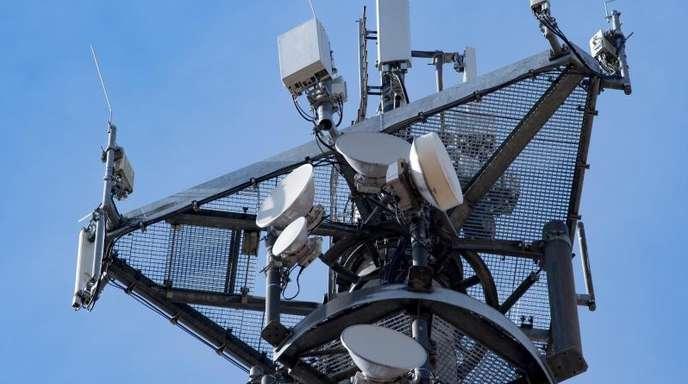 Mit 5G können auf dichtem Raum mit niedriger Sendeleistung tausende Anwender mit mobilem Breitband versorgt werden.