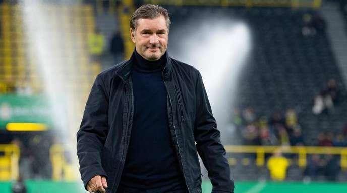 BVB-Sportdirektor Michael Zorc fordert ein anderes Auftreten als bei den letzten fünf Gastspielen bei Bayern.
