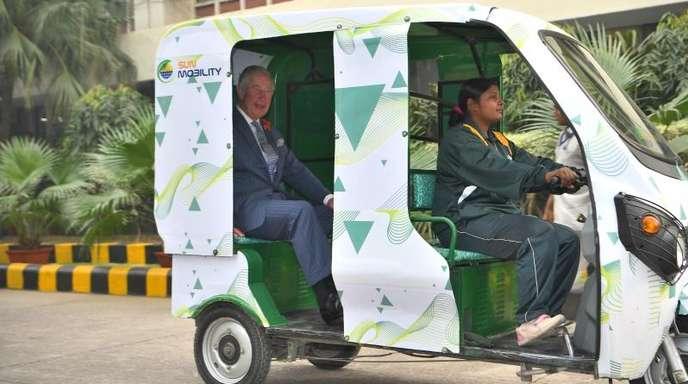 Charles in einer E-Rikscha auf dem Weg ins indische MET-Büro (Wetterdienst).