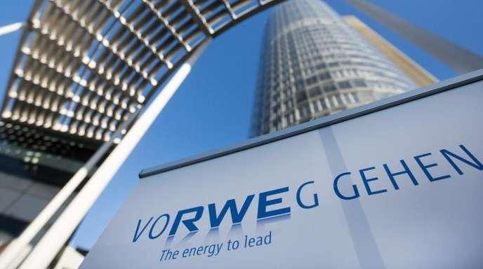 Zentrale des Energiekonzerns RWE:Den Umbau zu einem führenden Ökostromerzeuger kann RWE mit steigenden Gewinnen vorantreiben.