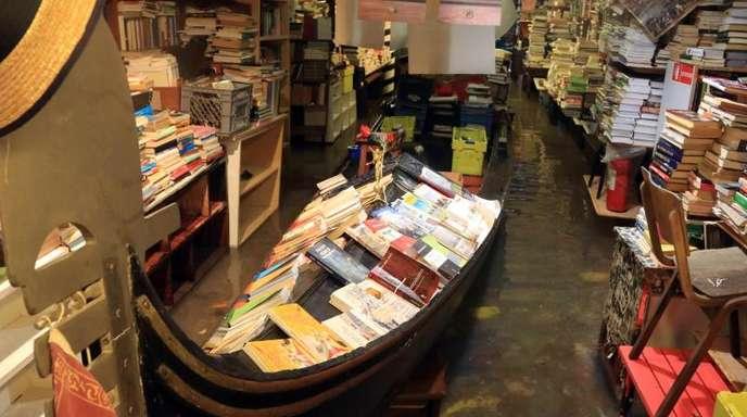 Hochwasser in der renommierten venezianischen Buchhandlung «Acqua Alta«.