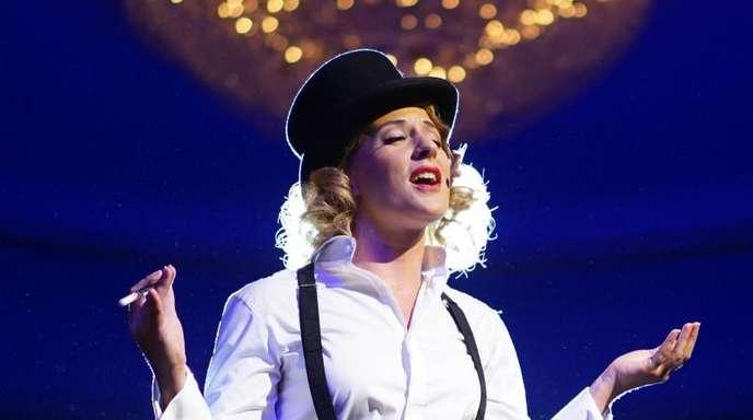 Nina Janke als Marlene Dietrich.