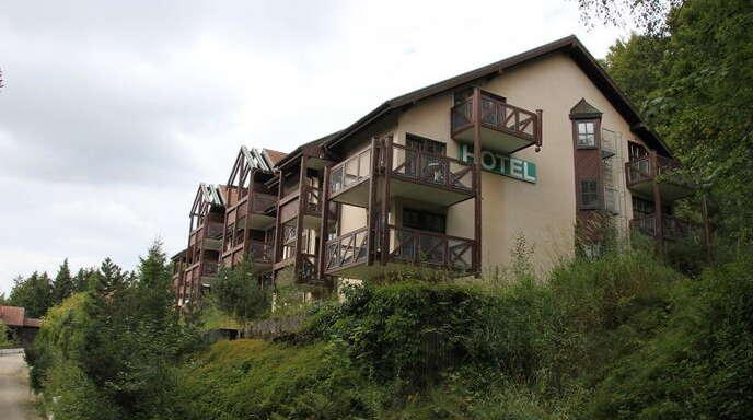 Seit zweieinhalb Jahren steht das Hotel »Bel Air« oberhalb Sasbachwaldens leer. Am Wochenende sollen 300 Asylsuchende dort einziehen.