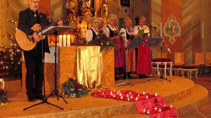 Weihnachtslieder Kirche.Lahr Friesenheim Hausfrauen Singen Mit Diakon Nachrichten Der