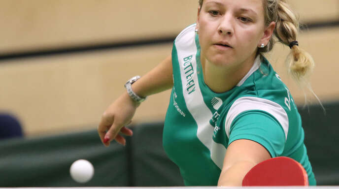 Lena Krapf gab ihr Heimdebüt für die DJK Offenburg, musste sich in ihren beiden Einzelbegegnungen gegen den TSV Schwabhausen jedoch geschlagen geben.