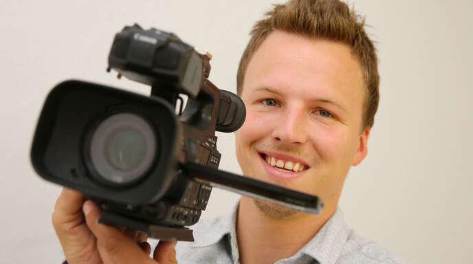 Gerrit Bartsch hat den Handball gegen Kamera und Mikro getauscht. Er macht jetzt Interviews und Videos fürs Internet.