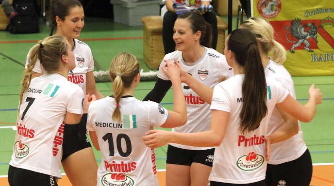Die VCO-Spielerinnen Pia Leweling, Tanya Paulin, Richarda Zorn, Lisa Solleder, Sarah McKinny und Sophie Schellenberger (v. l.) freuen sich auf das Pokalspiel gegen Köpenick.
