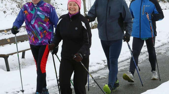 Die Teilnehmer des Silvesterwalkings hatten sichtlichen Spaß.