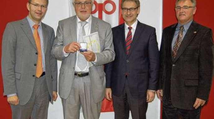 Von links: Europaabgeordneter Daniel Caspary, KFV-Präsident Claus Haberecht, Rastatts Landrat Jürgen Bäuerle, Siegfried Schaaf, Bürgermeister Steinmauern.