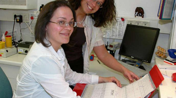 Foto: Regine Maßholder - Die Hebammen Alexandra Isenmann und Yvonne Künstle begleiten Geburten im Ortenau Klinikum Wolfach und arbeiten auch außerhalb des Krankenhauses sehr eng zusammen.