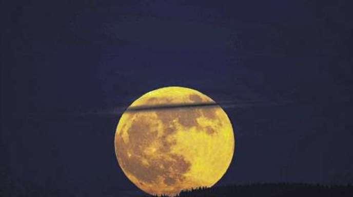 Mond Heute Rot
