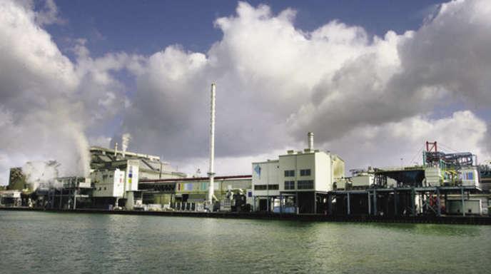 Foto: Ulrich Marx - Der Kehler Hafen ist die Hauptschlagader für die Badischen Stahlwerke, die ihren Rohstoff – Schrott – überwiegend auf dem
