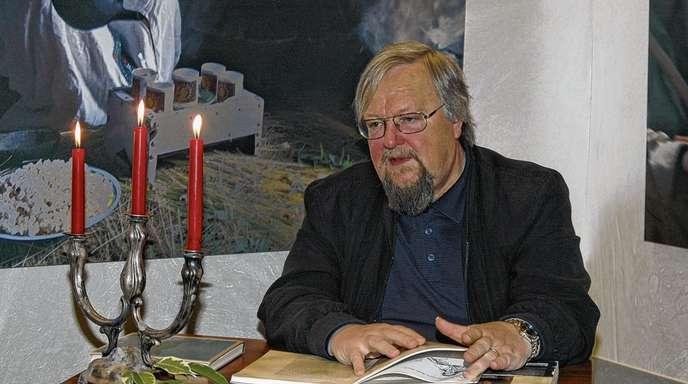 Günter Ferber - Otmar Schnurr trat am Wochenende zweimal vor ausverkauftem Haus im Willstätt »Mühlen-Café« auf und begeisterte seine Zuhörer als »Nepomuk, der Bruddler«.