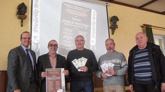 Wolfgang Schätzle - Sie sind Teil der gemeinsamen Arbeitsgruppe (v. li.): Bürgermeister Alexander Schröder, Pfarrer Heinz Adler, Lucien Mutzig (Diersburg), Gerald Menet und Hans Spengler.