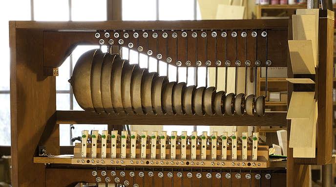 Dieter Wissing - Beeindruckendes Klangbild: Mit dem Einbau des Glockenspiels hat die Orgel der Wieskirche ein vollständiges Klangbild. Claudius Winterhalter präsentiert damit ein neuerliches Meisterwerk aus einer Werkstatt.
