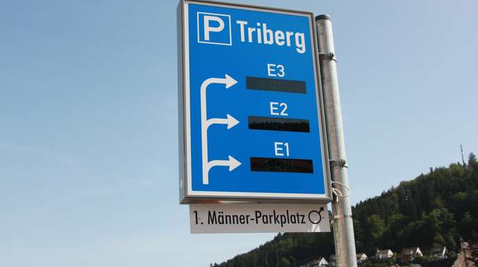 Steve Przybilla - Triberg sorgt für Furore: Diesmal nicht mit den Wasserfällen, sondern mit dem ersten Männer-Parkplatz. In Bad Dürrheim gibt es Facebook-Parkplätze.