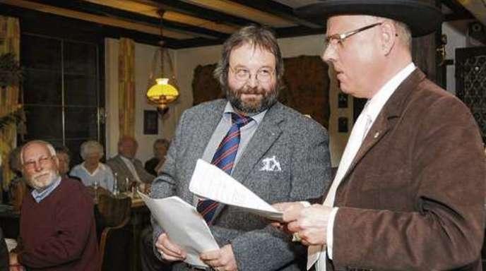 Hildegard Braun - Tom Jacob (links) war Stichwortgeber von Ralf Bernd Herden, der in der Lahrer Winstub den Dichter Heinrich Hansjacob gab.