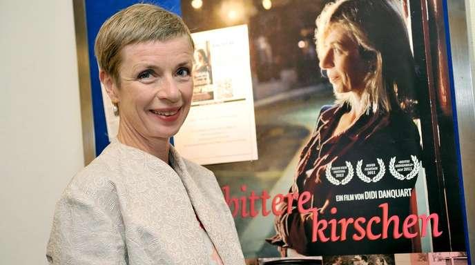 Iris Rothe - Die Schauspielerin Anna Stieblich wurde dem breiten Publikum vor allem als chaotisch-liebenswerte Mutter Doris in der ARD-Vorabendserie »Türkisch für Anfänger« bekannt. In diesem Sommer kam der dazugehörige Film in die Kinos. Jetzt ist