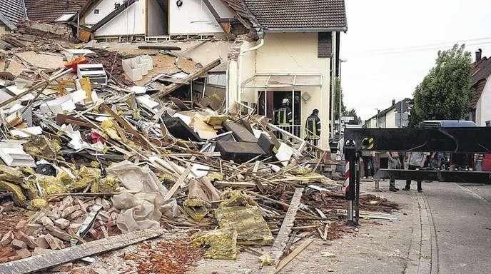 Christine Breuer - Eigentlich sollte dieses Haus in Kappel-Grafenhausen saniert werden. Doch als ein kleiner Bagger dabei war, das Fundament freizulegen, war es kurze Zeit später nicht mehr bewohnbar.