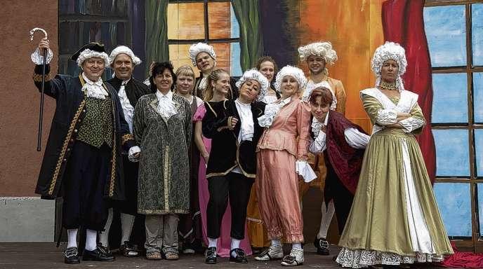 Daniela Busam - 18 motivierte Schauspieler haben bereits mit den Endproben für »Amadeus« begonnen, das neueste Stück des Illenau Theaters.