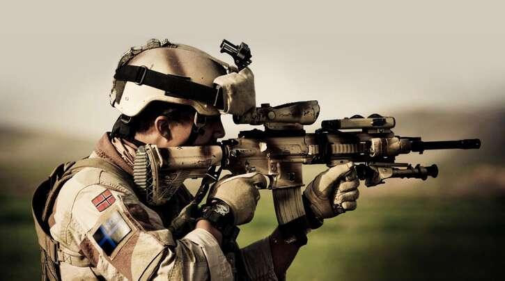 Streitobjekt zwischen Heckler & Koch und dem Verteidigungsministerium: Das Gewehr HK416 – hier in der Hand eines norwegischen Soldaten.