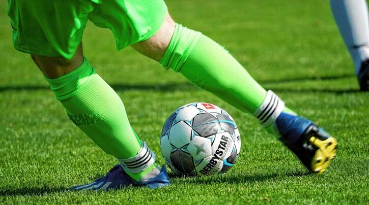 Plangemäß wird der Ball am Wochenende im Amateursport rollen.