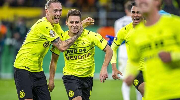 Thorgan Hazard (Zweiter von links) traf doppelt für den BVB.