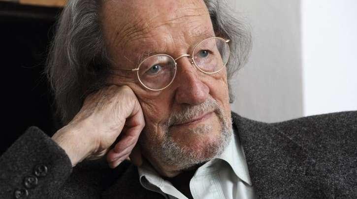 Der Autor Dieter Lattmann im Jahr 2011. Lattmann war maßgeblich an der Einführung der Künstlersozialversicherung beteiligt.
