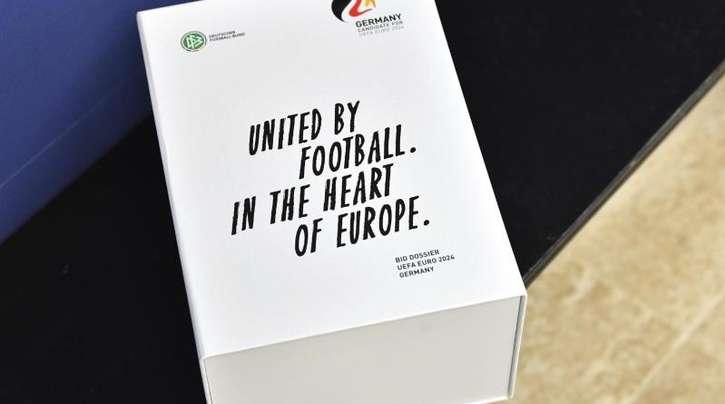 Die Bewerbungsunterlagen des DFB für die EM 2024.