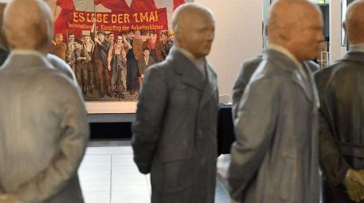 Das Werk «Die Bürger von B.» (1967) von Segfried Neuhausen in der Ausstellung «Flashes of the Future - Die Kunst der 68er oder Die Macht der Ohnmächtigen».