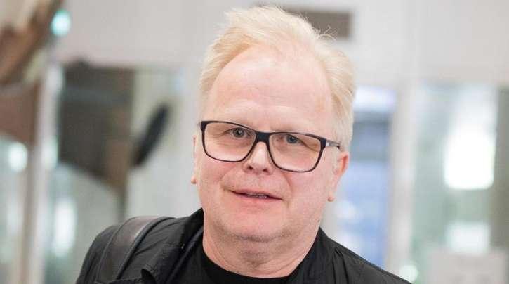 Herbert Grönemeyer wird zum Vorfall am Flughafen Köln/Bonn befragt.