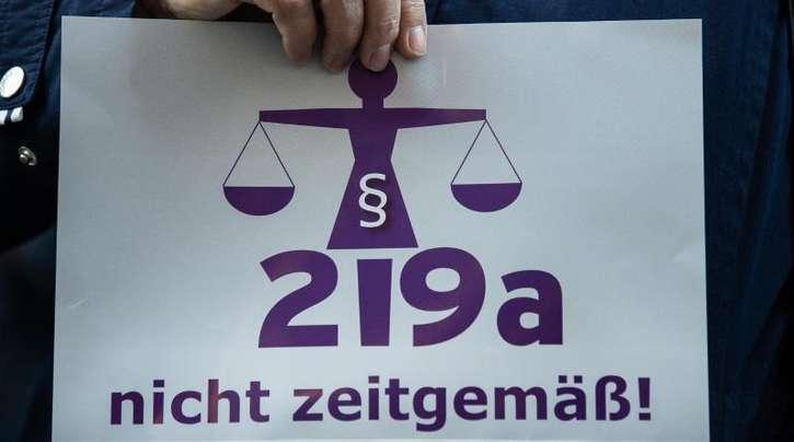 Der Paragraf 219a wurde von Kritikern als «nicht zeitgemäß» betitelt.