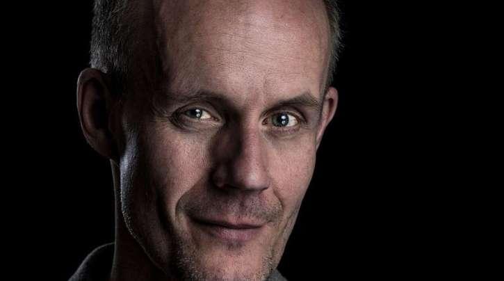 Max Uthoff wird mit dem Deutschen Kabarettpreis ausgezeichnet.